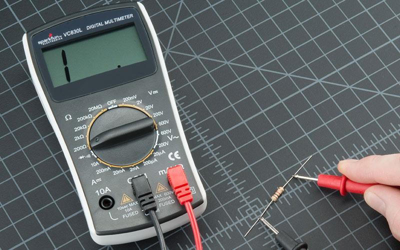 como-medir-amperagem-com-multimetro